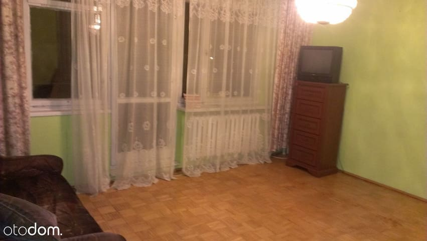 3 oddzielne pokoje blisko metra Stokłosy - Warszawa - Huis
