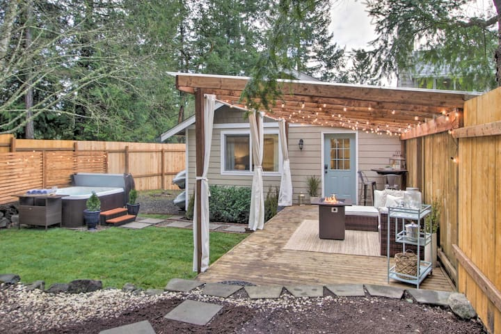 NEW! Gig Harbor Getaway w/ Fenced Yard & Hot Tub!