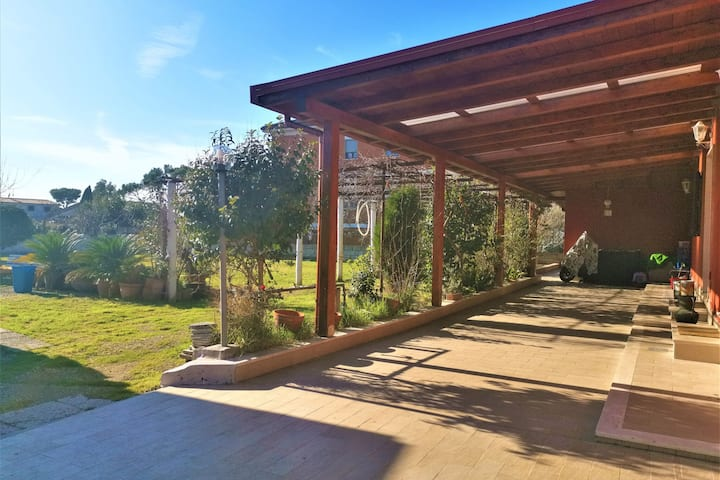 Tranquil Holiday Home in Roma with Garden near Ostia Antica