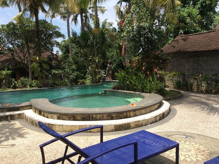 Beji Corner room 3 + ac, fan, terrace, pool