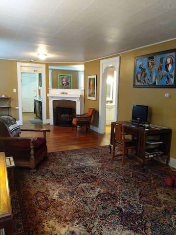Family friendly beautiful modern apartment