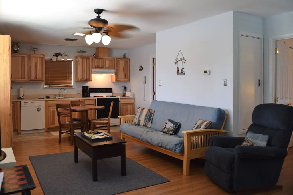 Couch, Furniture, Chair, Oven, Indoors
