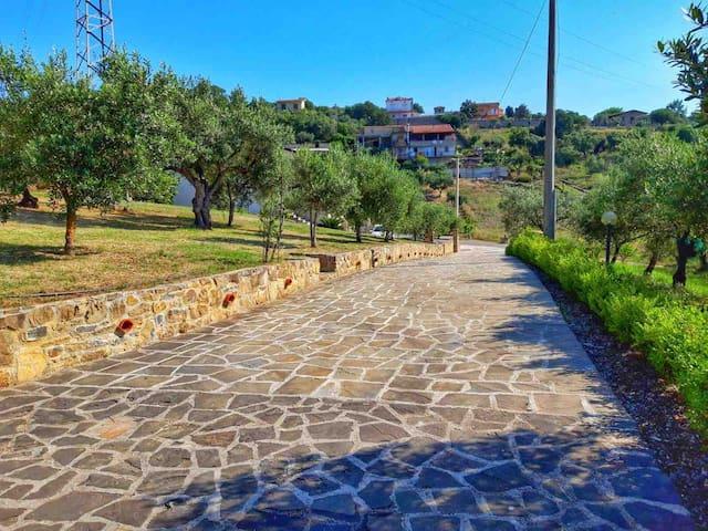 Villa Daniela piano terra con giardino attrezzato