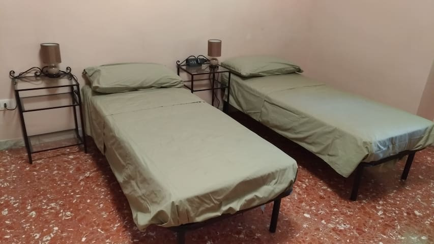 Pastels Room 2 Rome,two single bed fully furnished