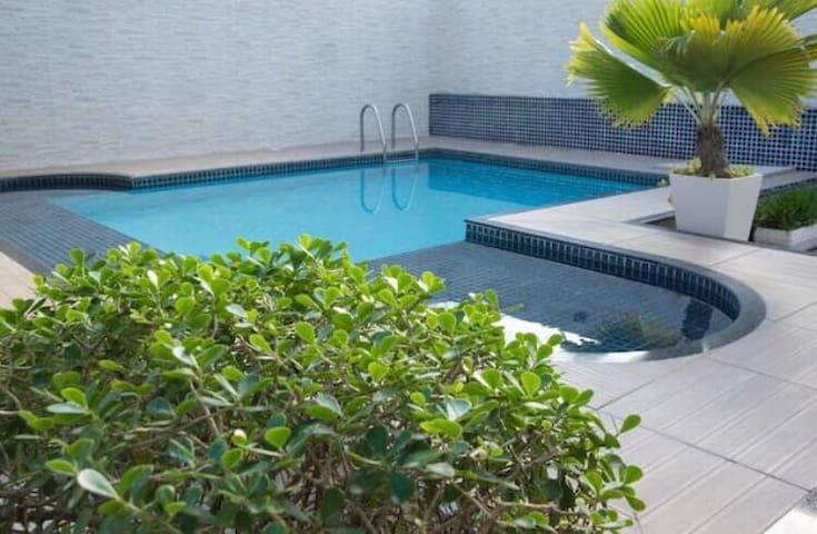 4 -Apartamento Praia do Forte , piscina e elevador