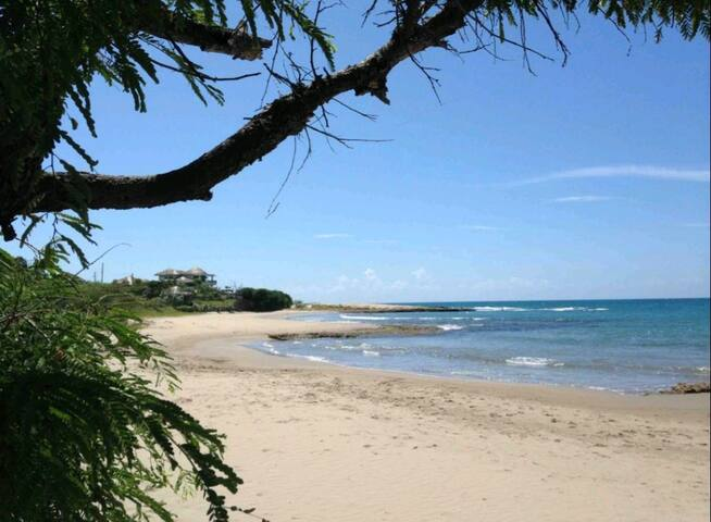 Dream location in Treasure Beach (Ground floor)