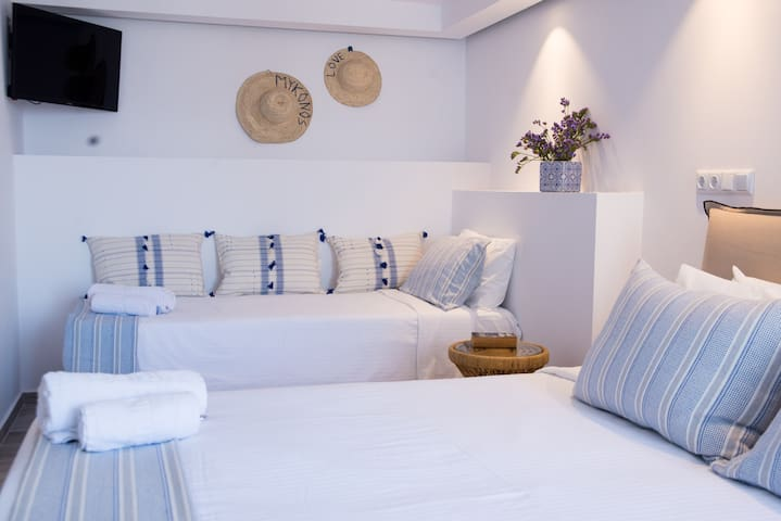 Private Triple Room in the heart of Mykonos