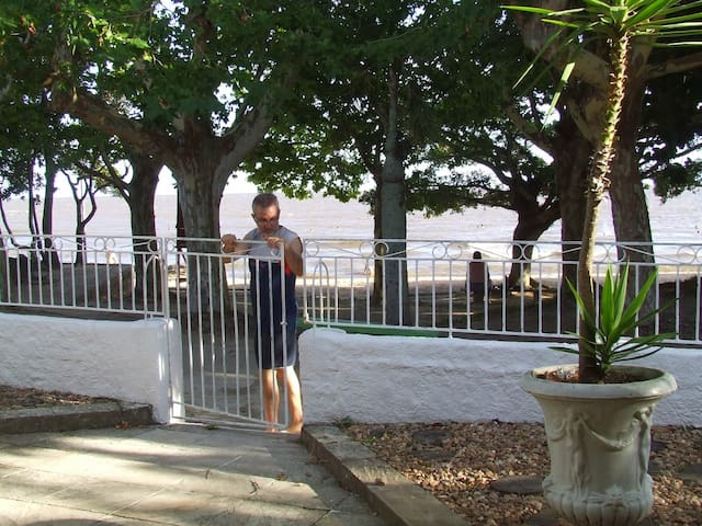Apto 2º andar + wifi + vaga carro + acesso praia