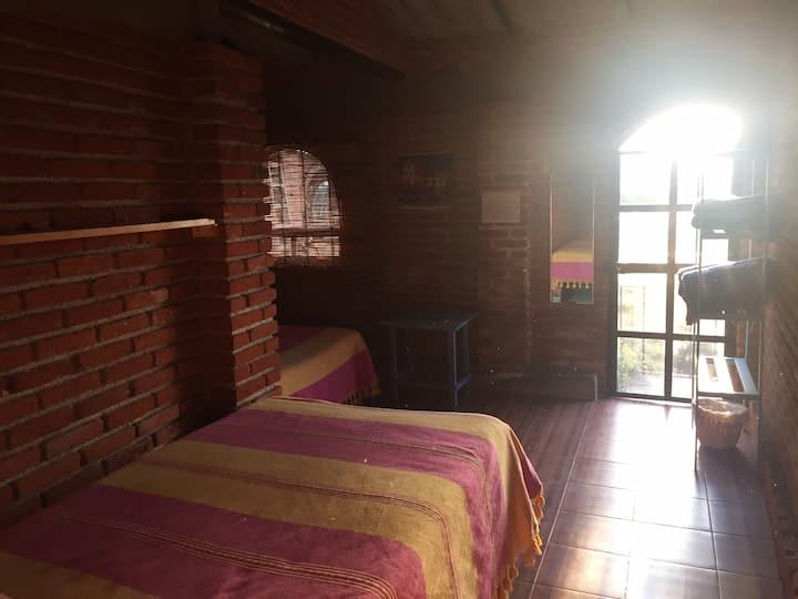 Linda habitación para 2 personas (baño compartido)
