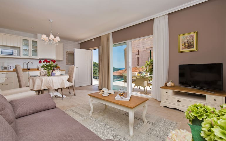 Villa Boban-Apt Harmony w sea view, terrace & pool