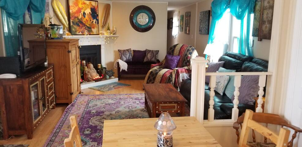 Holiday Cottage 2 bdr 14'x75' 10 min to waterfront