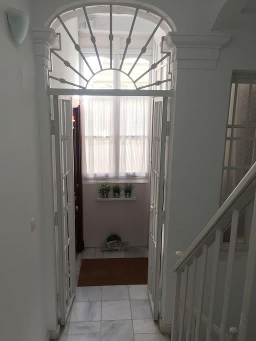 Entrada desde la escalera