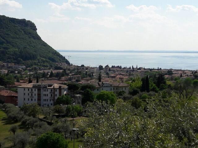 Il lago dal terrazzo