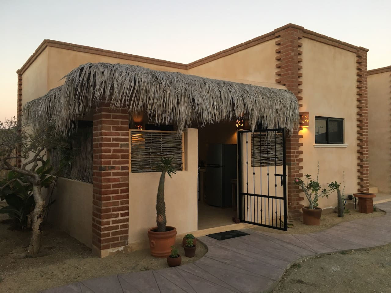 Perfect location in Cerritos! This gem is only a short stroll to the best swimming & surfing beach in Baja!  Beautiful home with private, furnished rooftop. 360d views of  beach and mountains .