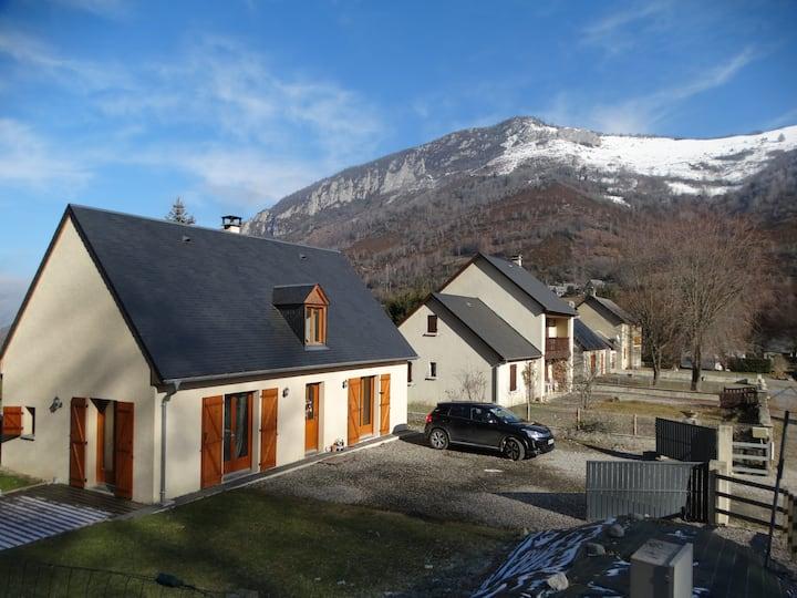 Maison type chalet  hautes pyrenees
