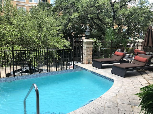 H07-Spacious 2bed 2bth-in the heart of Med Center