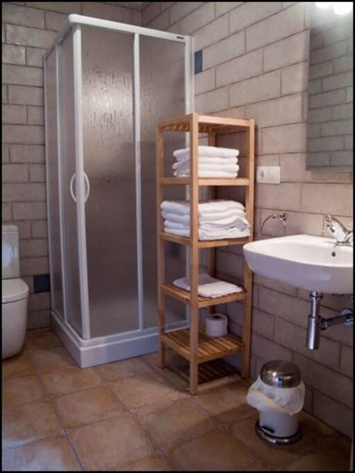 Apartamentos barrena 2 dormitorios apartamentos en alquiler en albarrac n teruel espa a - Apartamentos en albarracin ...