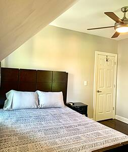 Downtown Valpo Guest Room 2