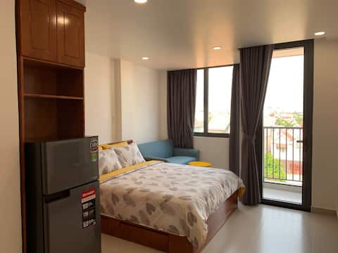 — BRAND NEW — Cozy Apt with Balcony in District 2