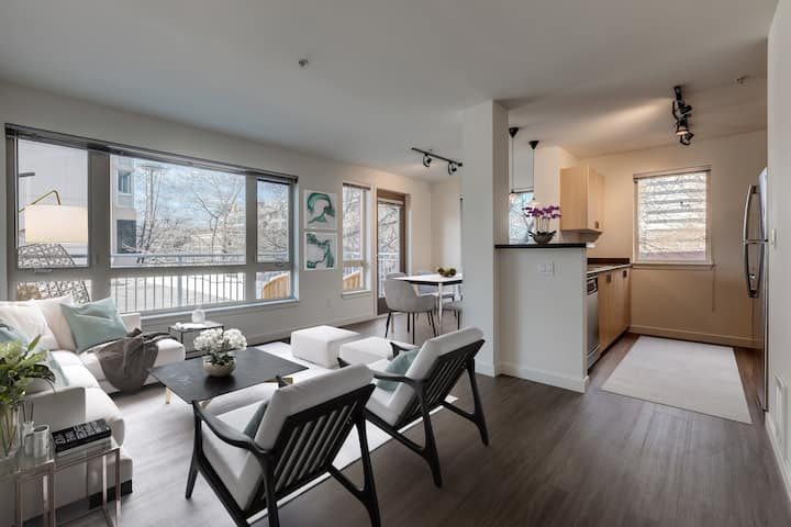 Everything you need | 2BR in Seattle