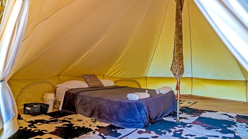 Villas del Lago Glamping Tent Deluxe 4