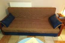 Couch that transforms into double bed