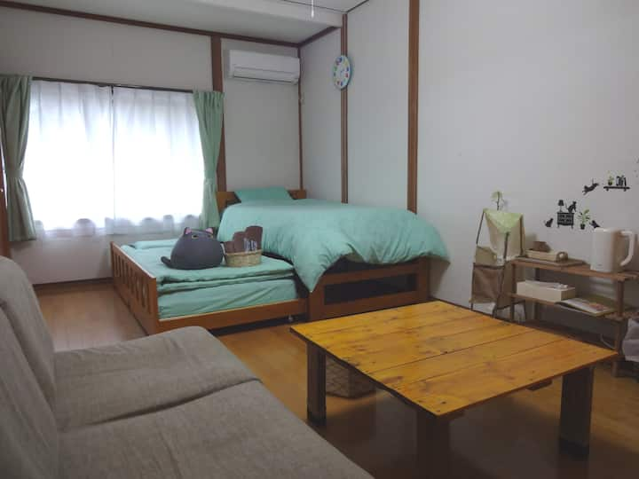 【鳥取県倉吉市】野菜ソムリエの無料朝食が人気!歴史の森に囲まれた静かな里の一軒家【洋室B】