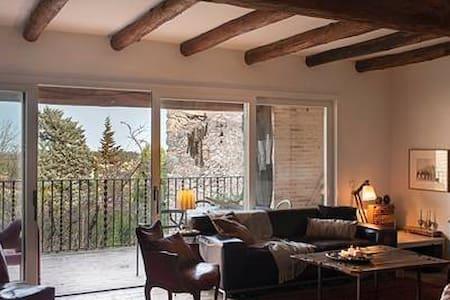 Habitación con encanto cerca de la Costa Brava
