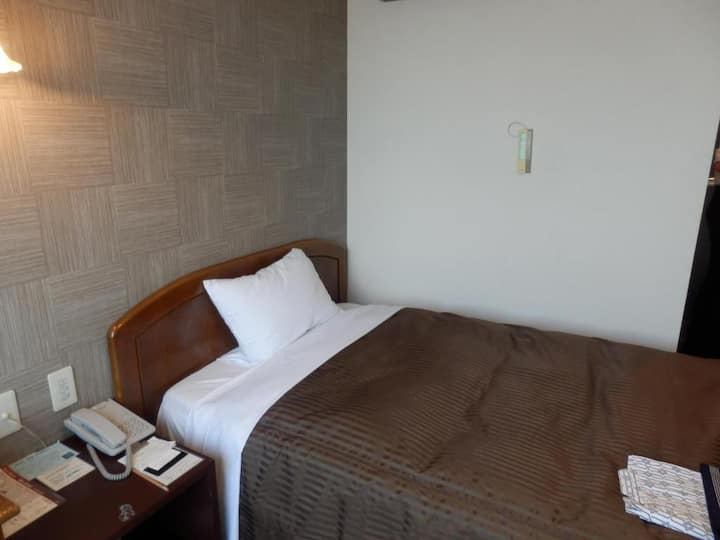 Single room/ non-smoking/ Makuharihongo