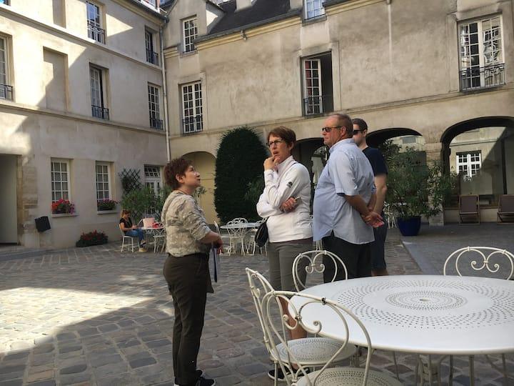 Visit baroque courtyard