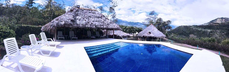 Villa Exclusiva- 2 piscinas para 30 personas