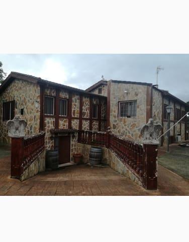 casa  rural  almorox