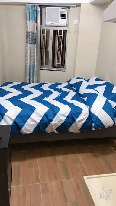 Queen size bed room good for 2person ,大型床的房間適合2人入住