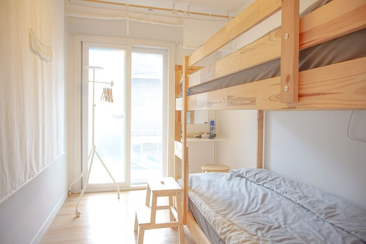 [Miro Guesthouse] Private Twin, 5min Hongdae MTR