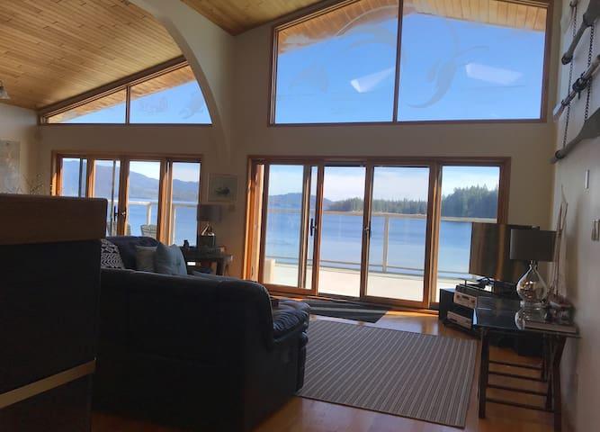 Ocean Front House on Sunshine Coast, PR
