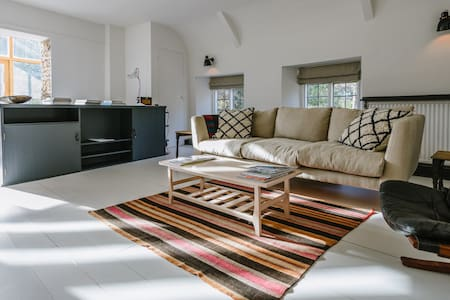 Ropewalk Cottage - Boutique retreat in Bruton