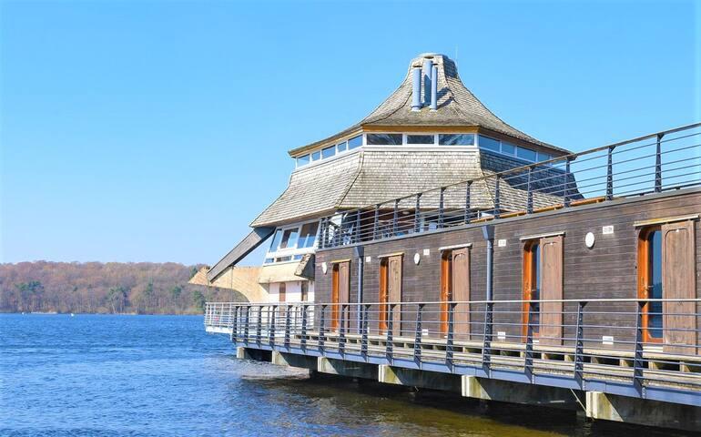 Chambre sur l'eau - Lac des Settons