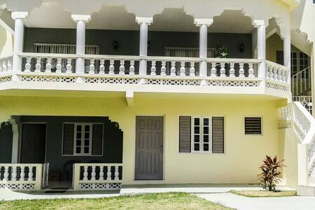 Naturally Cool Private En-Suite - Ocho Rios - House