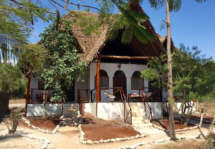 Lazy Beach House -Zanzibar- (room 1) - Kiwengwa