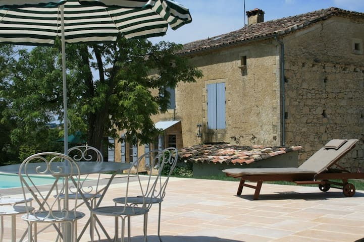 Traditional Gascon farmhouse with fantastic pool - Lectoure - Ev
