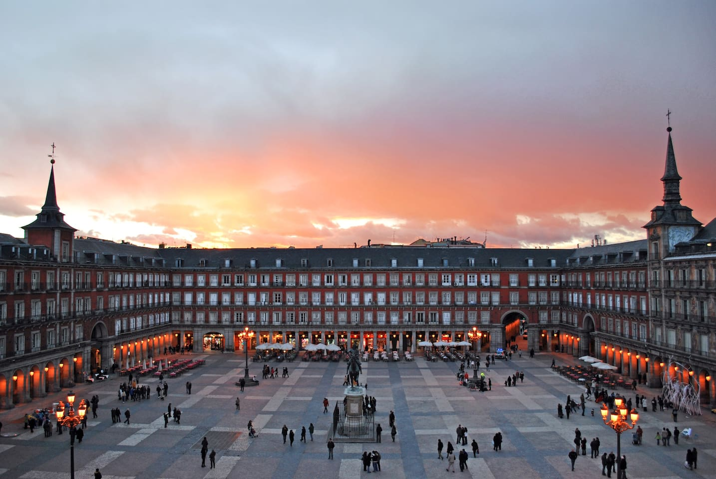 PLAZA MAYOR GORGEOUS HOUSE - HOME IN MADRID (A/C)