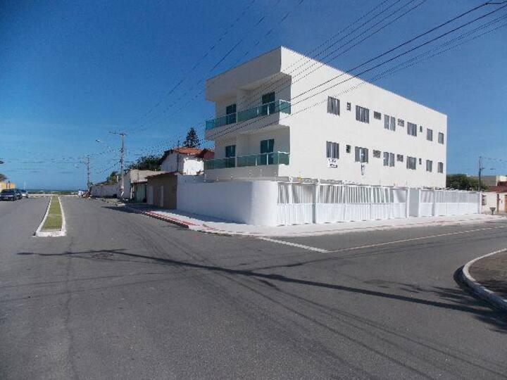 Apto Jacaraípe - Quadra Mar - 2 quartos/2 Garagens