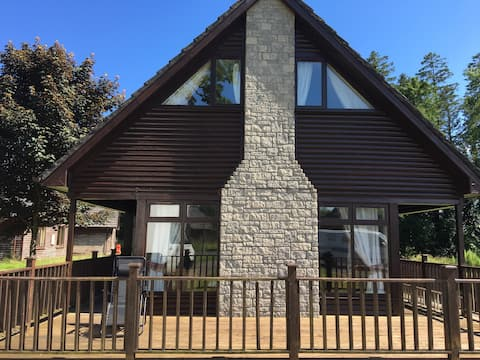 Beautiful Lodge for 10-forest/lake-Portumna