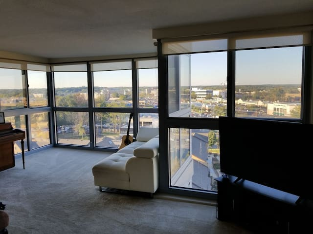 12th floor apartment with great views of Rockville