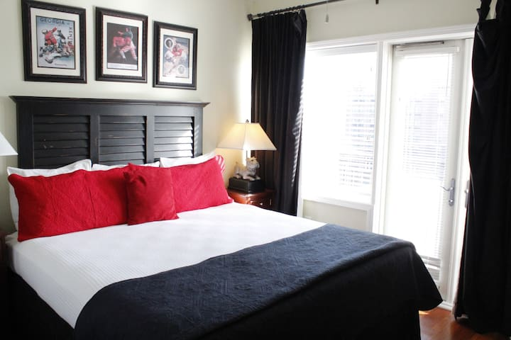 ☆Condo W/King Bed In Downtown UGA! (#605)☆