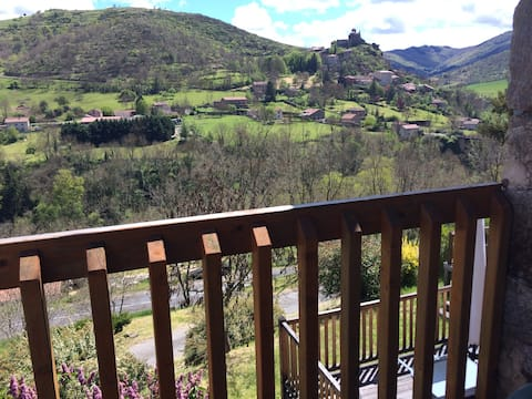 Val  d Allier a proximite de la riviere