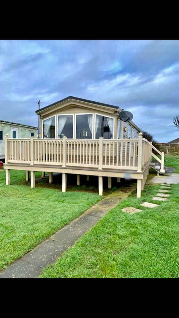 Retreat by the sea at popular Skipsea Parkdean