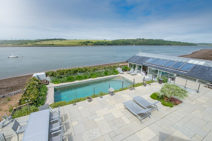 Stunning Seaview house - Heated Pool and Hot Tub
