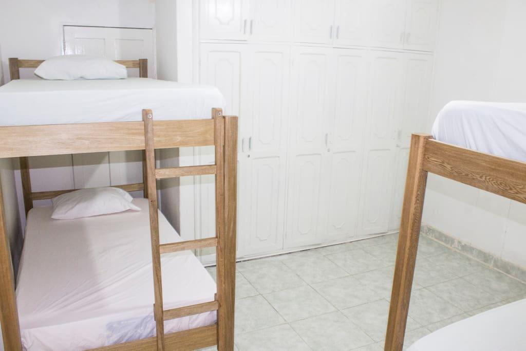 habitaciones/ bedrooms