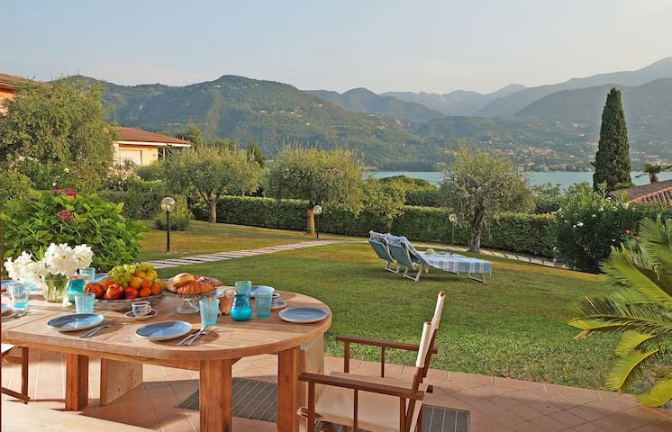 Villa Margherita , Jacuzzi, 100 mt from the lake